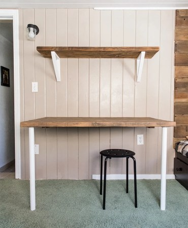 Simple DIY Wall Desk  Shelf   brackets  for under  23     Jenna Sue     Tutorial for a simple desk  shelving and brackets on the cheap