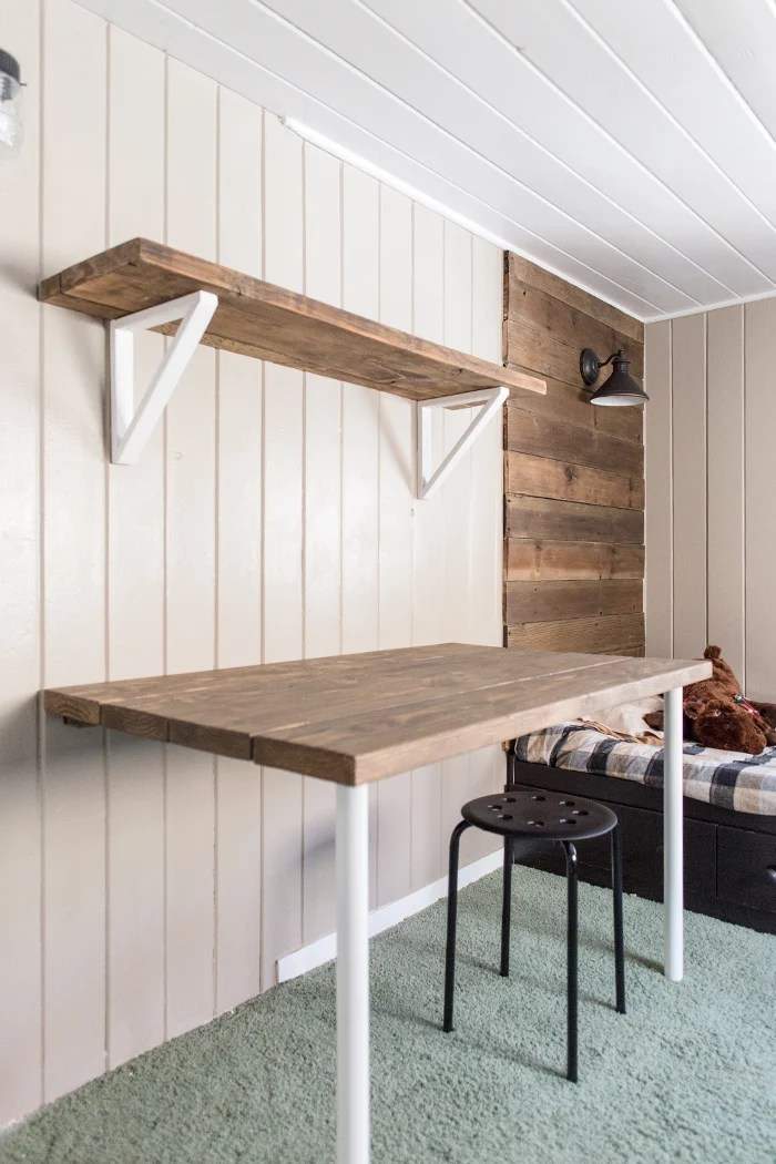 Simple Pallet Wall Shelves