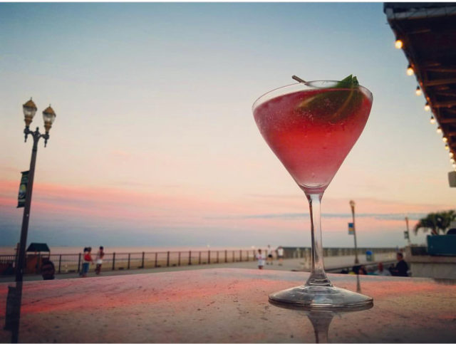 Rooneys-Oceanfront-Restaurant