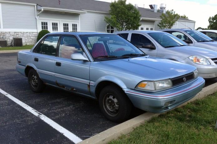 1991 Toyota Corolla b