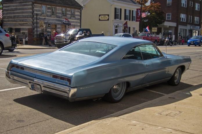 1967 Pontiac Bonneville b