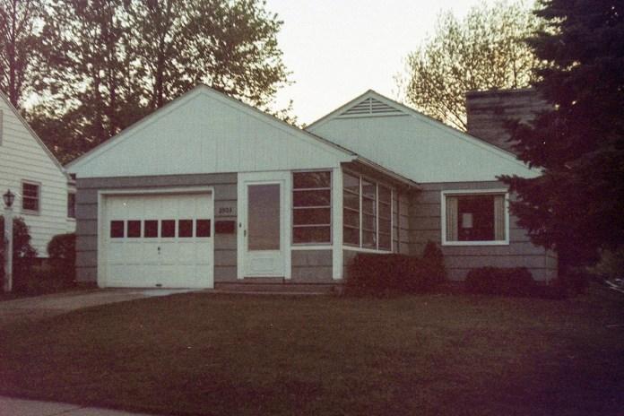 1985g