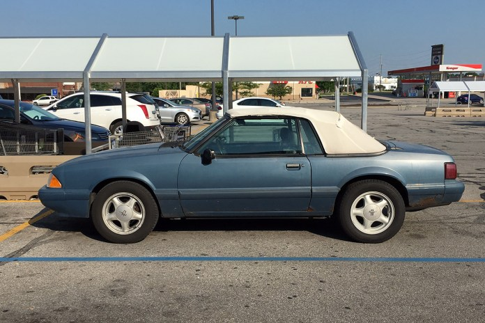 1987-90 Ford Mustang