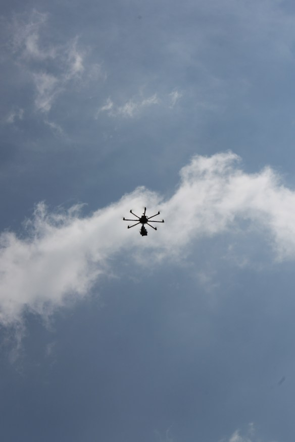 Helicam flying distant2