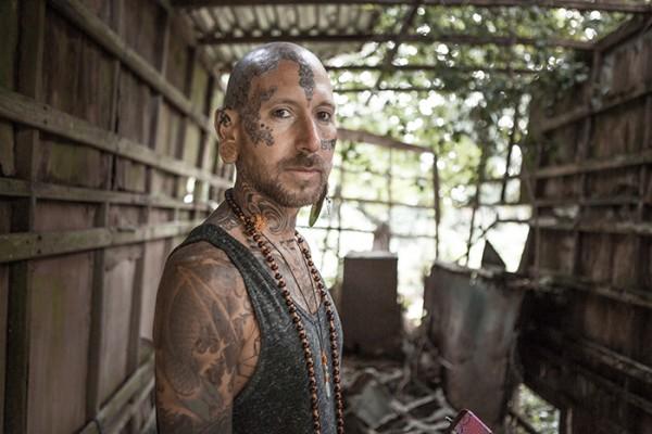 scrapyard portraits photography by john hicks