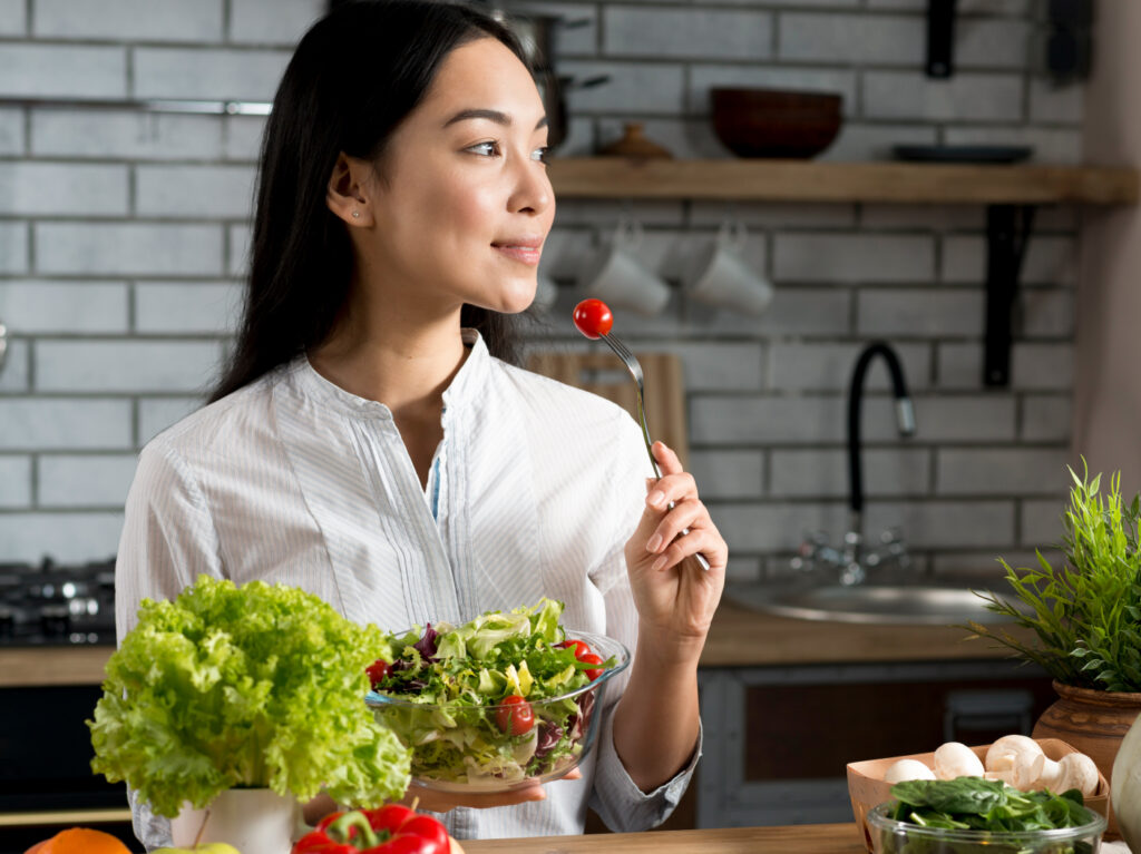 Eating healthy can help you being happy at the moment