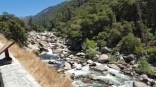 La Merced River, qui traverse Yosemite et suit une partie de la route qui mène au parc