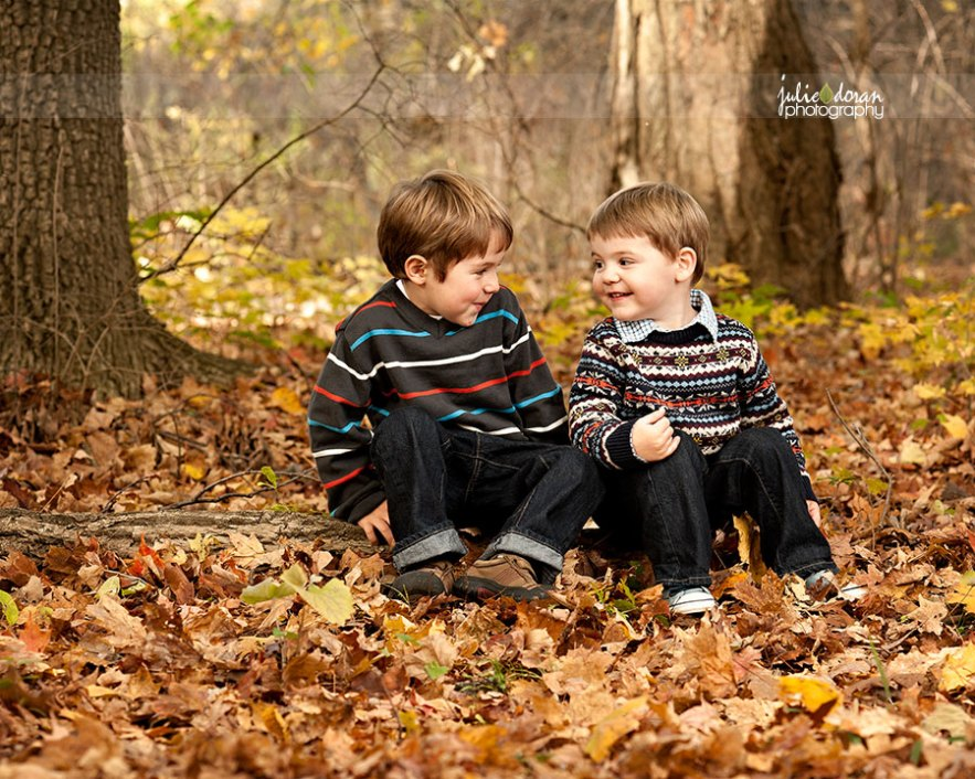 brothers_looking