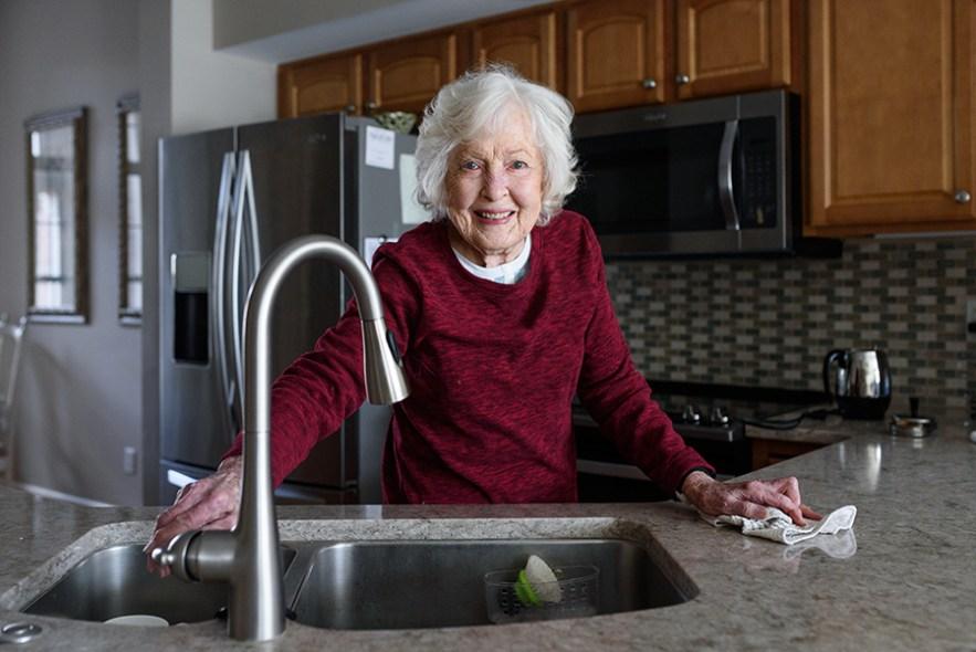 grandma_dee_kitchen-5657