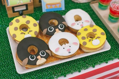 Sweet-Happy-Baby-Animals-themed-1-year-old-Birthday-Party-Photography-09