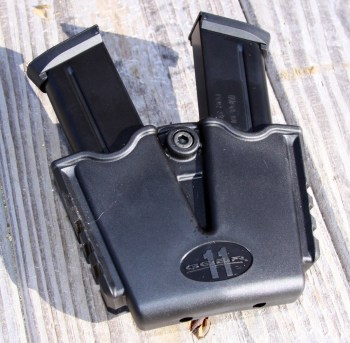 dual pistol magazine holder