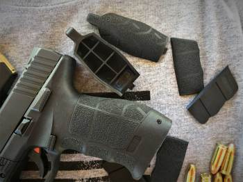 adjustable pistol grips