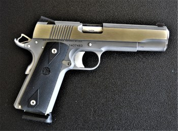 Dan Wesson Heritage pistol right profile