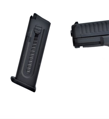 profile view of the Glock M44's EZ load magazine