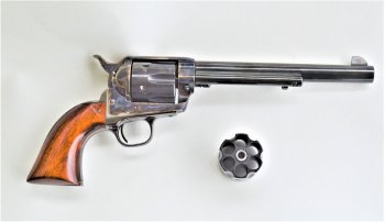 Uberti switch cylinder revolver with additional cylinder