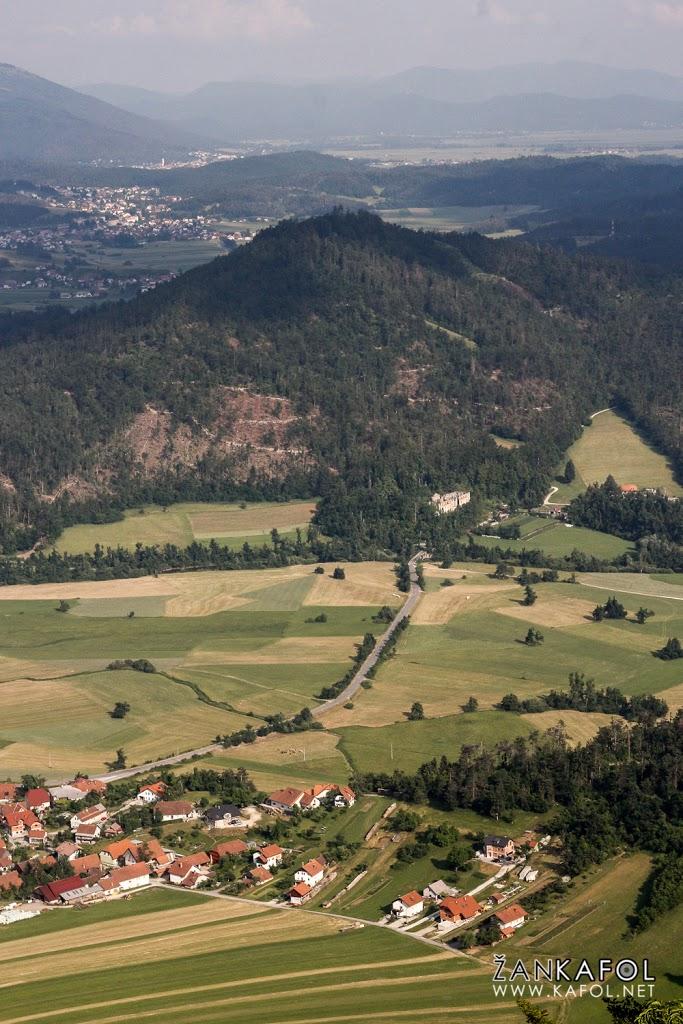 Planinsko polje poleti, ko je suho