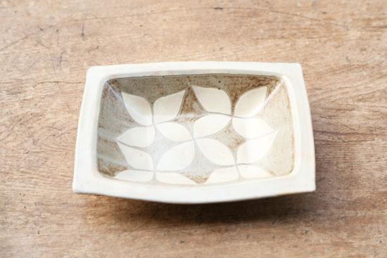 岡田崇人 角鉢