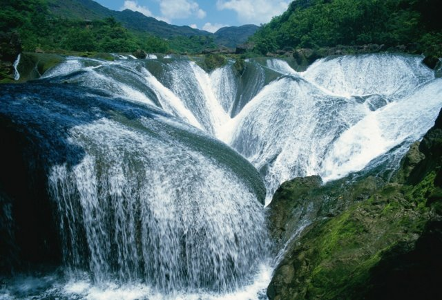 11. Pearl Shoal Waterfall -- Sichuan Province, China
