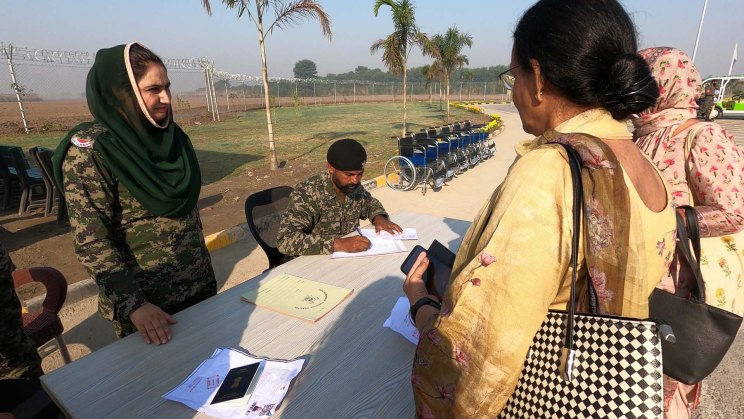 Border checkpost security check on Pakistan side