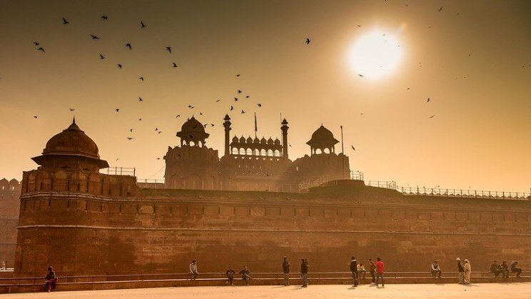 Delhi's Red Fort by Ramesh SA (https://flic.kr/p/vsRB7C)