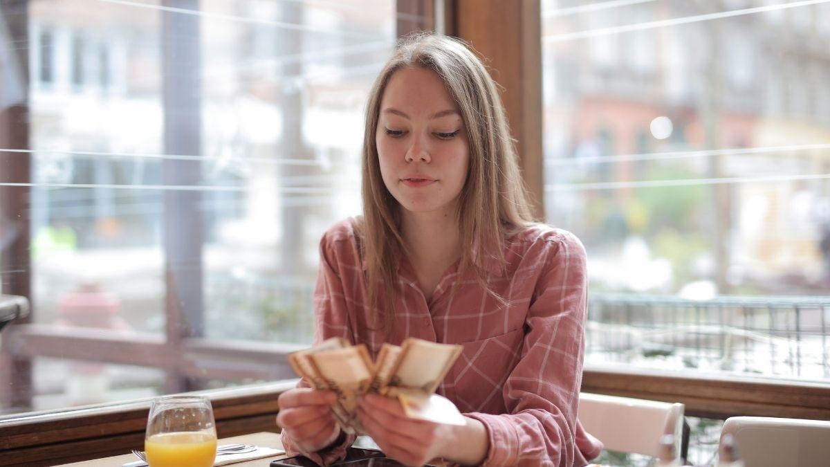Tips & Panduan Memberikan Bonus Akhir Tahun ke Karyawan Anda