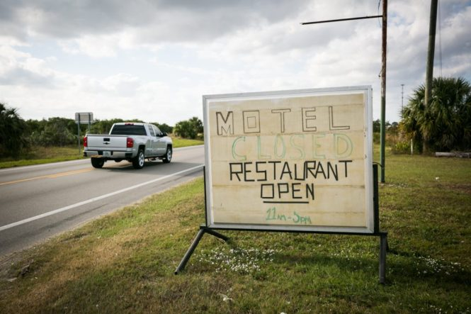 Motel sign at Yeehaw Junction