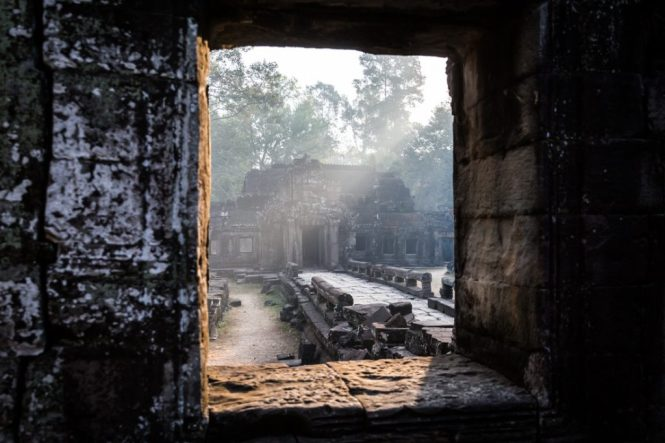 Light through window at Banteay Kdei for an Angkor Wat temple guide