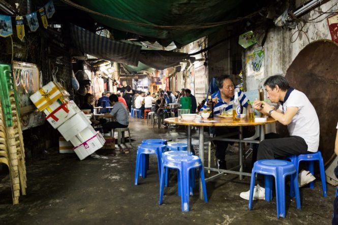 Temple Street Night Market restaurant for a Hong Kong travel guide article
