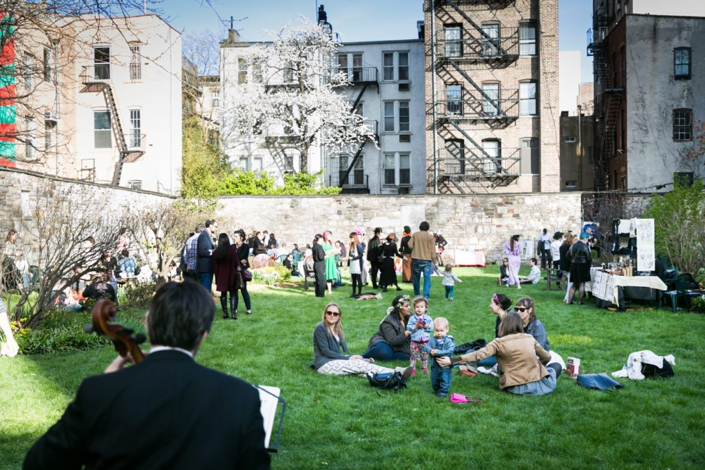 new york marble cemetery garden party hosted by atlas obscura by nyc photojournalist kelly williams