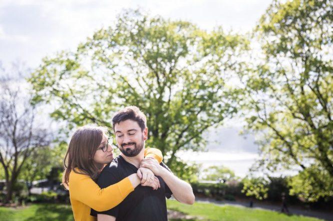 Couple at a Fort Tryon Park engagement portrait