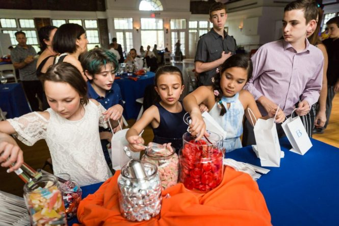 Guests enjoying a bar mitzvah by bar mitzvah photographer, Kelly Williams