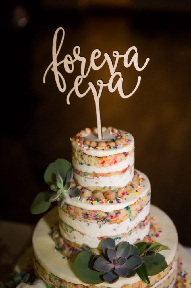 Wedding cake at a 26 Bridge wedding