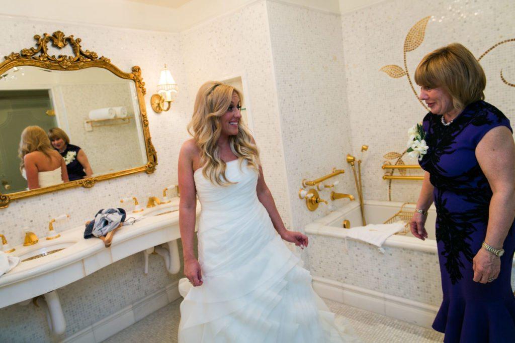 A Bergdorf Goodman wedding, photographed by NYC wedding ...