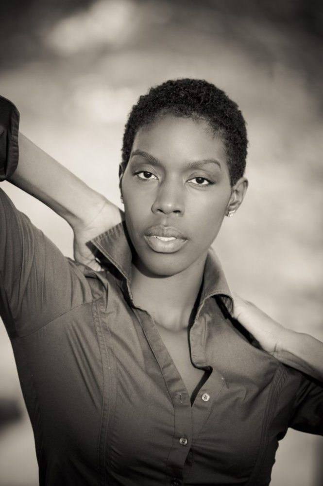 A photo by NYC headshot photographer, Kelly Williams, to accompany an article on modeling headshot tips