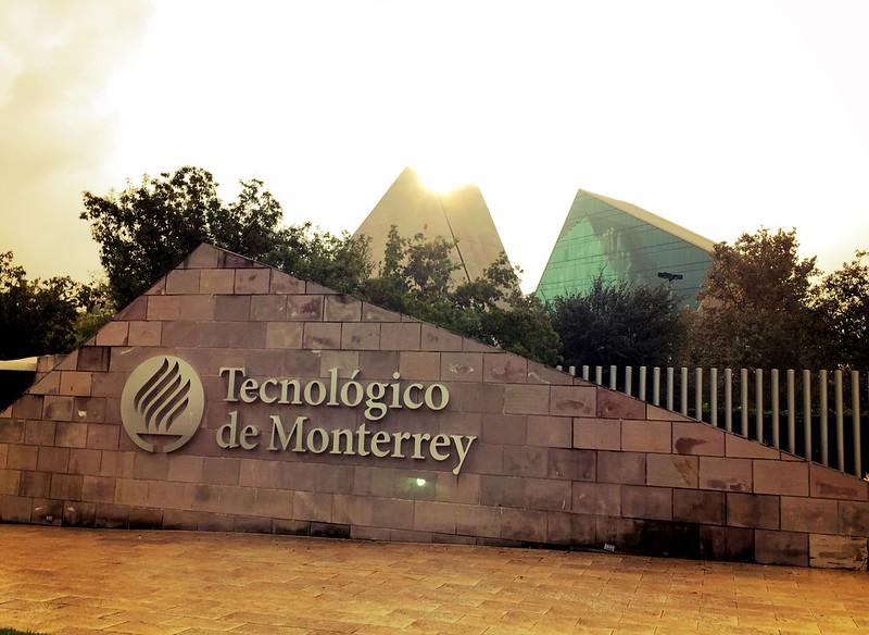 Entrance to the Tecnológico de Monterrey campus in Monterrey