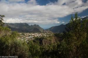 Vue sur Cilaos depuis le GR R1
