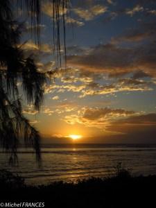 Coucher de soleil sur la plage de l'Ermitage-les-bains