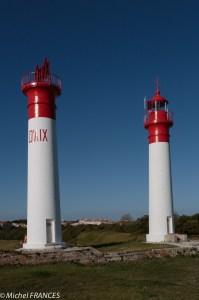 Les phares jumeaux de l'île d'Aix