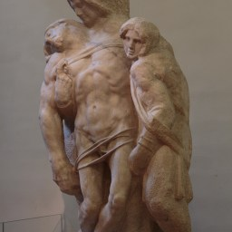 Des sculptures inachevées de Michel-Ange : ici une Pieta