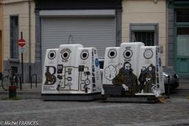 Les conteneurs de recyclage sont décorés