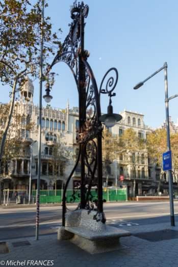Un candélabre dessiné par Gaudi