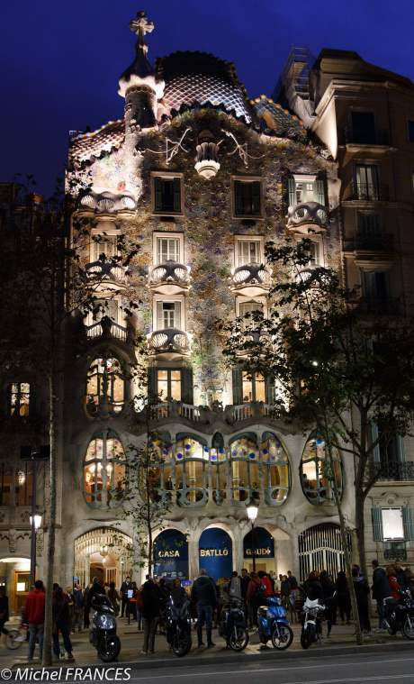 La Casa Batllo de nuit