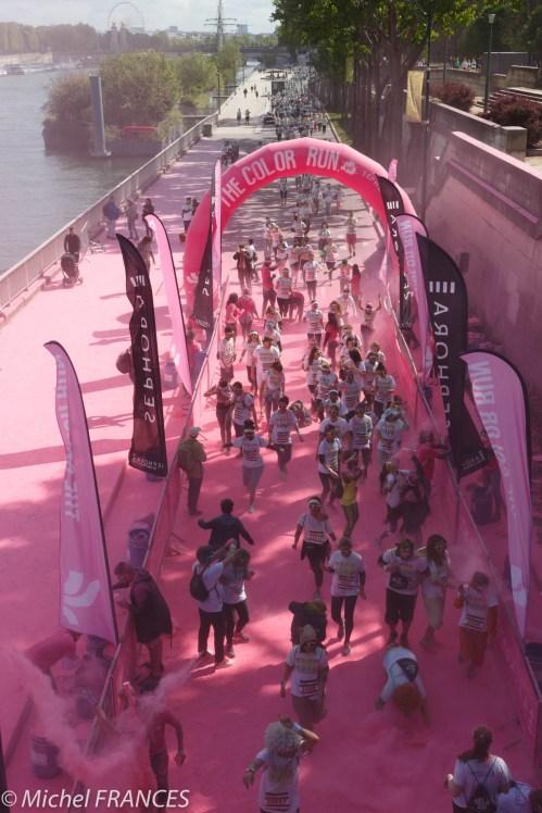 Pour terminer, le rouge est mis au pont de l'Alma.