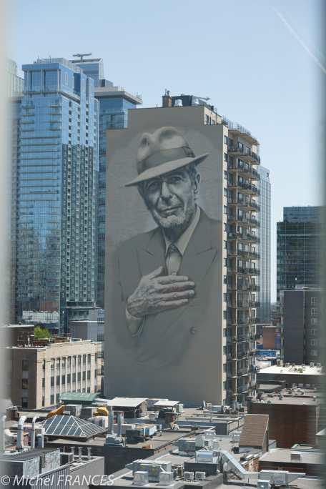 musée des beaux-arts de Montréal - dans la rue, une superbe fresque murale de Léonard Cohen, originaire de Montréal