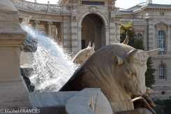 Palais Longchamp - les taureaux symbolisent la force des eaux de la Durance qui arrivent à Marseille