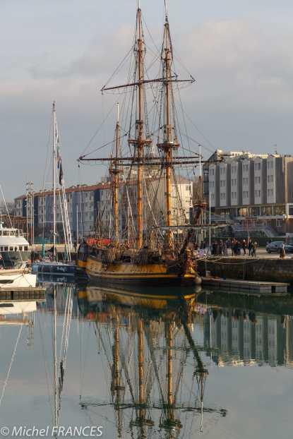 La Rochelle, le Shtandart sous le soleil