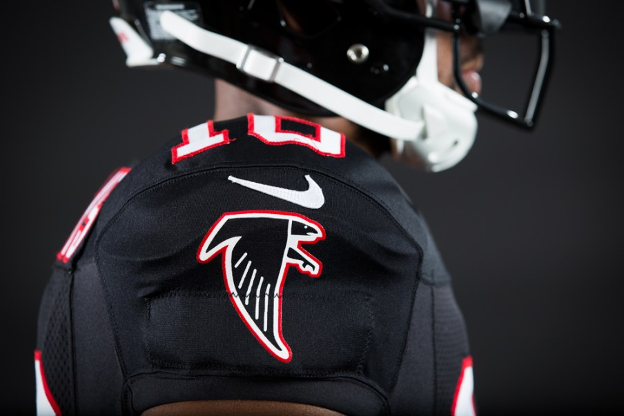 161005_falcons_black_uniforms_0352