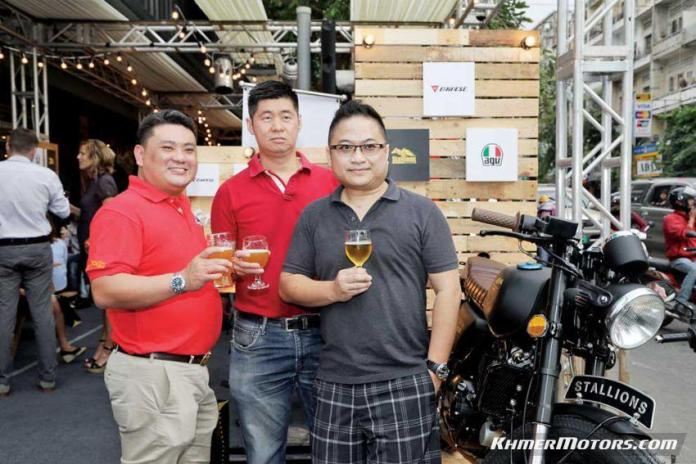 Grand opening at Stallions (5)