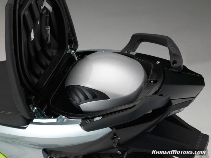 bmw-c-evolution-electric-scooters-12