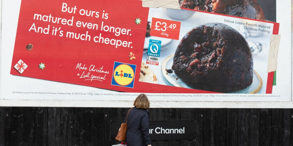 Christmas Digital Signage Campaigns from Lidl OOH - Kitcast Blog